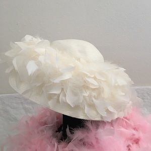 Accessories - Vintage  Lady's White Feather Boa Hat Wide Brim